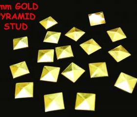 100 pcs 8mm DIY Gold Pyramid FlatBack Studs Hotfix Iron On Glue On for iPhone Case or Crafts