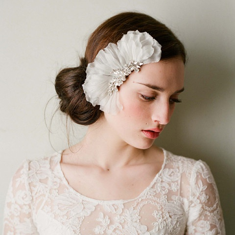 Wedding Bridal Crystal Pearl Lace White Flower Headband Hair Accessories Comb Tiara A15