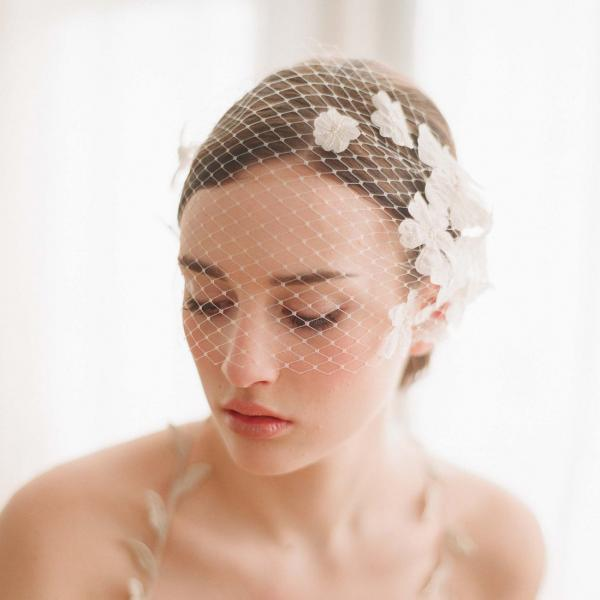 Wedding Bridal Ivory White Flower Net Birdcage Hair Accessories Veil Tiara A6